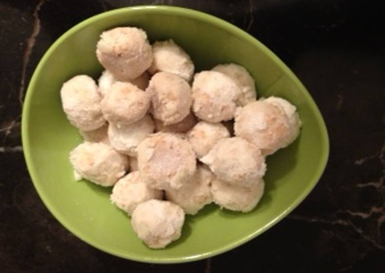 Going Green for Good Health By Dining Superfoods, Snowball Almond Cookies