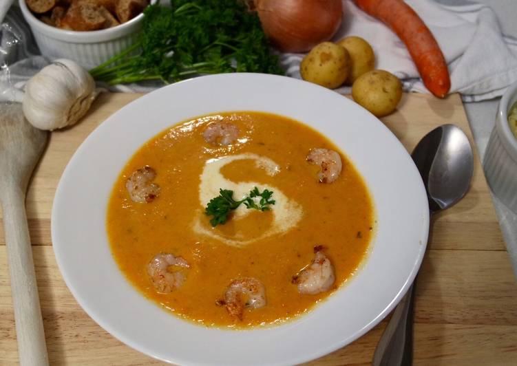Velouté de carottes au cumin, crevettes dorées à l'ail