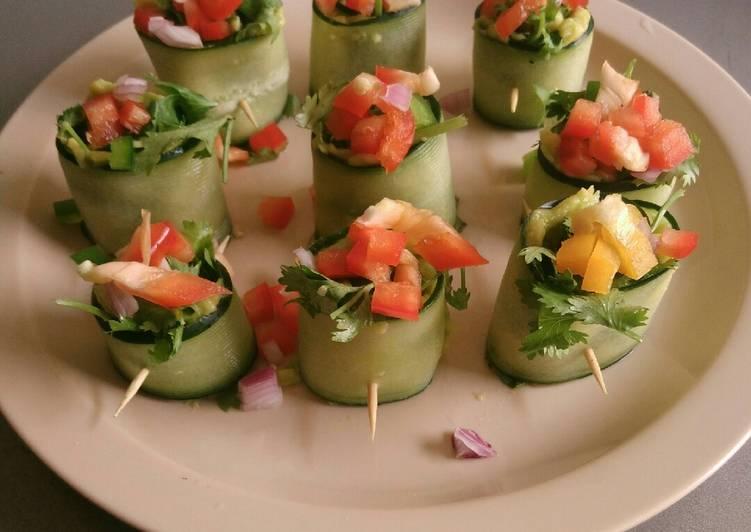 Cucumber guacamole Belle pepper rolls