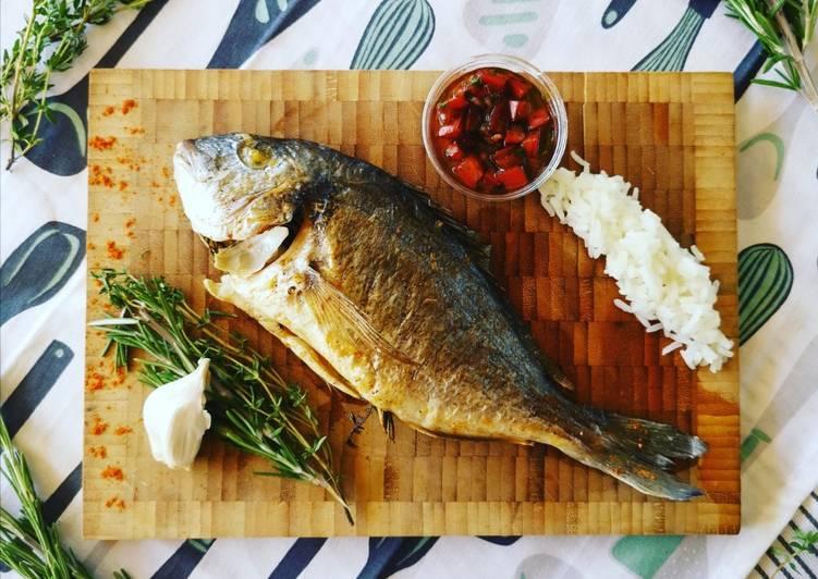 Comment Servir Dorade à la provençal et sa sauce vierge