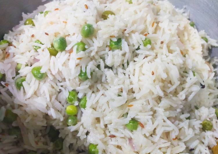 Step-by-Step Guide to Prepare Homemade Easy and delicious matar pulao/ Peas rice !