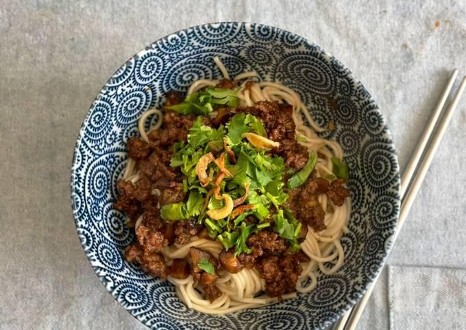 Mushroom & Ground Beef Noodles - Rou Zhou Mian