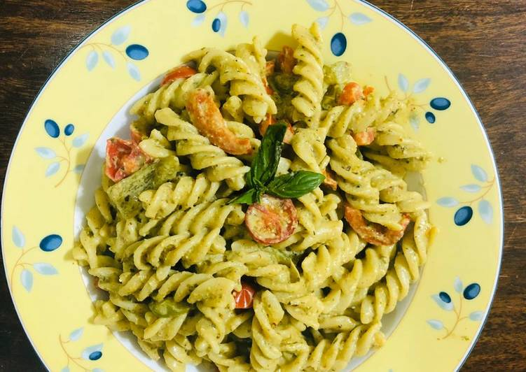 Recipe of Any-night-of-the-week Pesto cherry tomato pasta