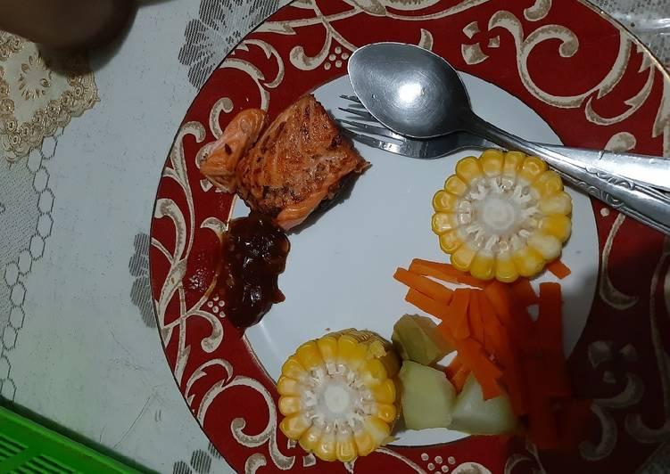 Steak Ikan Salmon saos bbq (panggang di wajan teflon)