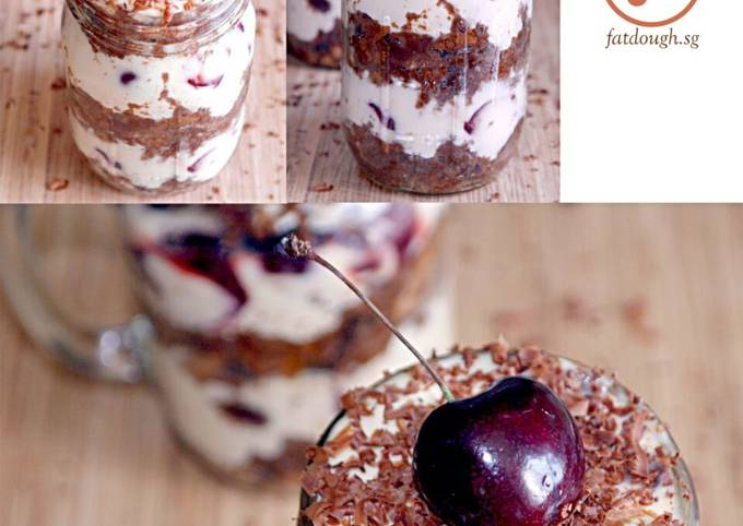 Black Forest In a Jar