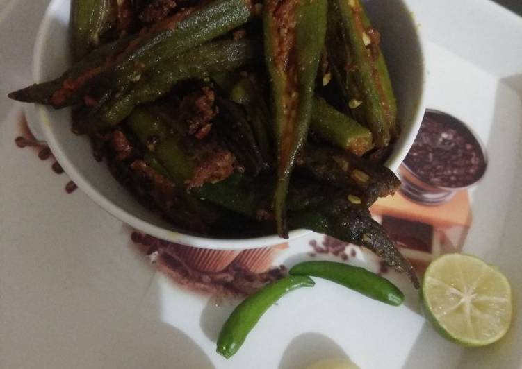 Eat These 25 Superfoods to Go Green for Optimal Health, Bharwa bhindi