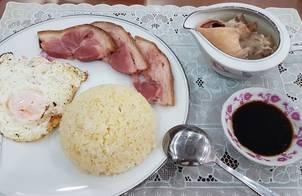 Cơm Trứng Hấp Ăn Kèm Giò Heo Muối Xông Khói & Canh Xương Ống Heo
