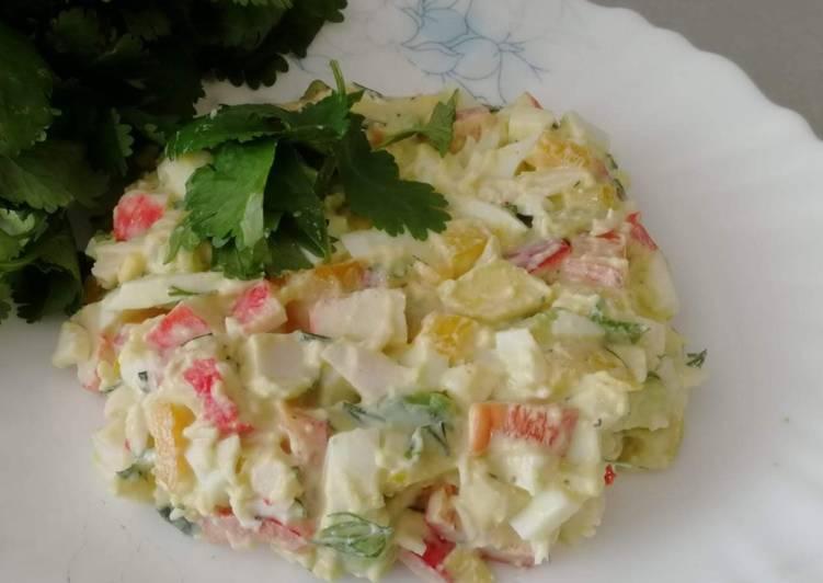 Крабовый салат с авокадо рецепт фото