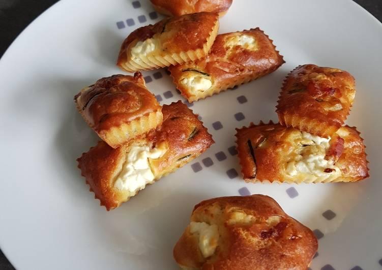Cake aux courgettes, lardons et chèvre