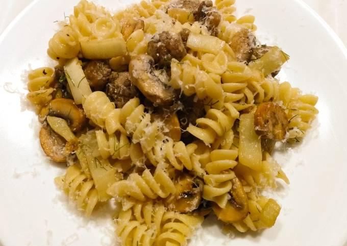 Rotini with sausage, fennel, mushrooms and lemon