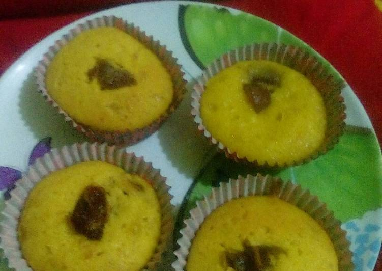 Pumpkin Muffin with Dates