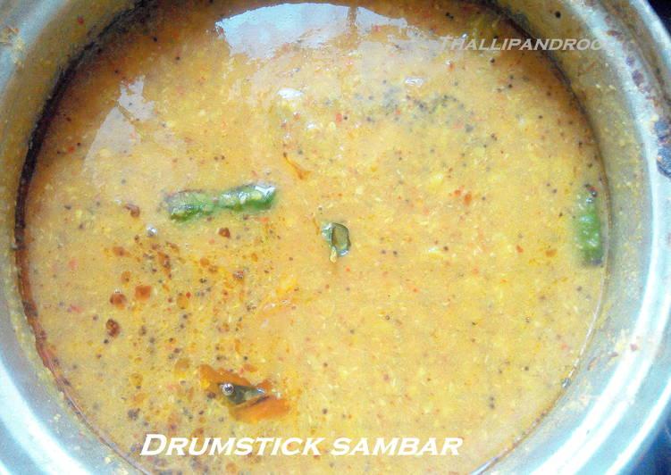 Arachivittu Murungakai Sambar / Drum stick Sambar