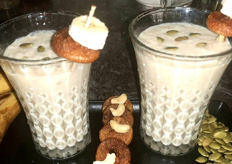 Banana fig healthy smoothie