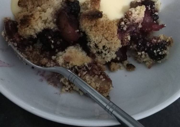 Recipe of Any-night-of-the-week Apple and blackberry crumble