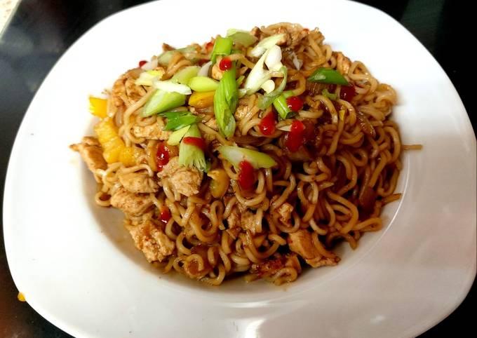 My Quick Sweet Sriracha Chicken Noodle 💚