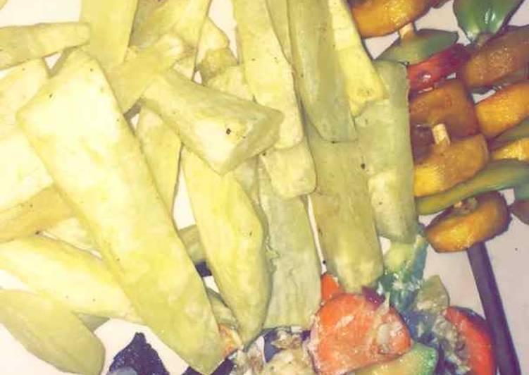 Sweet potatoes wit stick plantain nd scramble vege egg