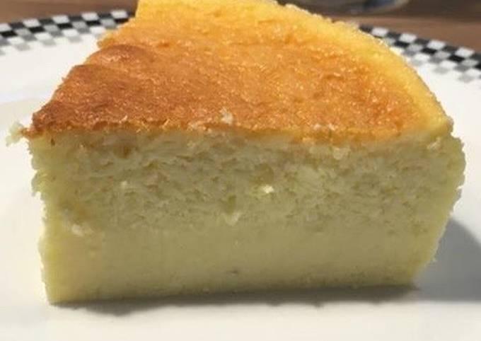 Cheesecake japonais ou soufflé au chocolat blanc