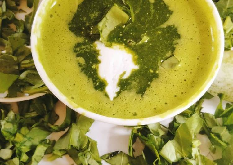 Step-by-Step Guide to Make Super Quick Homemade Creamy Spinach Soup
