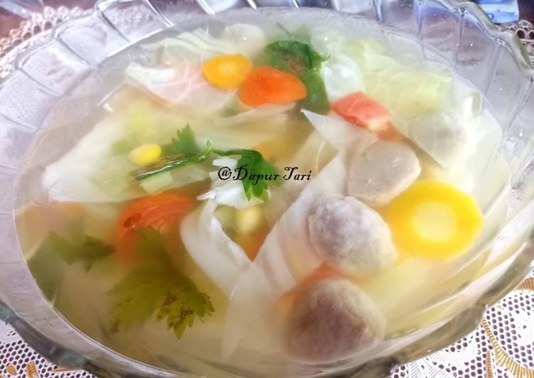 Sup jagung dan bakso