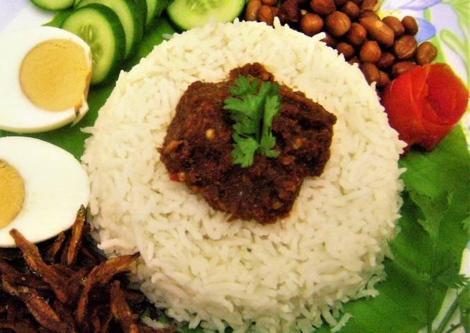 Nasi Lemak (Fragrant Coconut Rice - Malaysian Style)