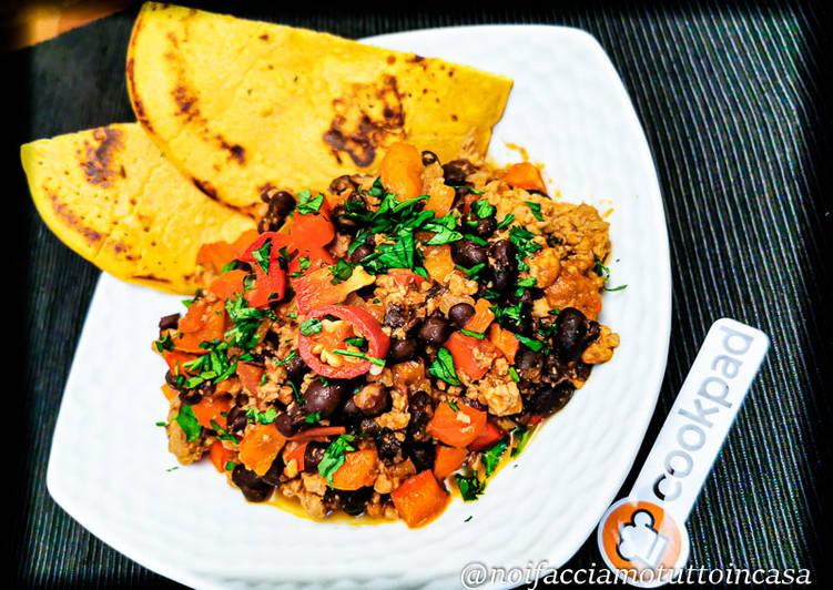 Easiest Way to Cook Appetizing Chili di Carne Macinata con Fagioli Neri