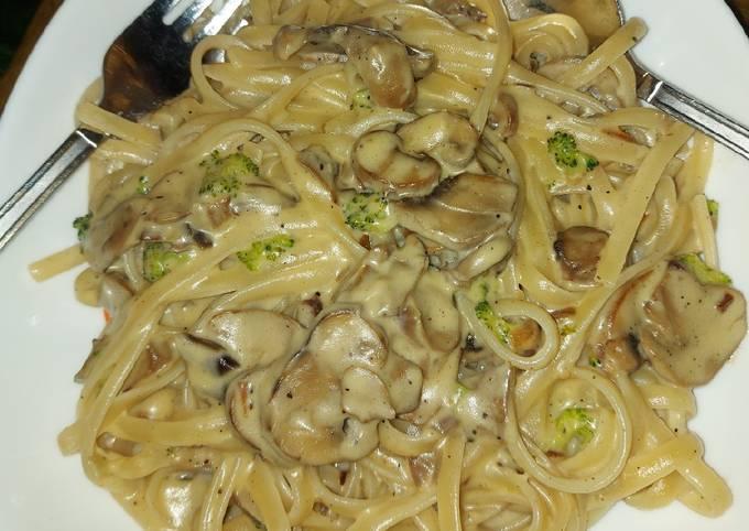 Broccoli and Mushroom Fettucine Alfredo