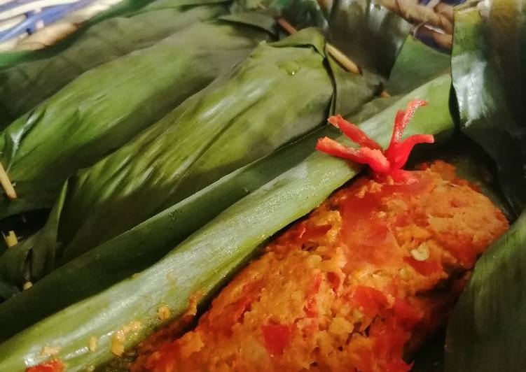 Resep Pepes ikan tongkol pedas yang sederhana