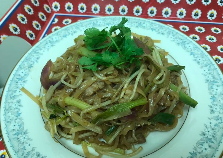 Stir Fried Hu Tiu (Inspired by Flavorful Origins Documentary)
