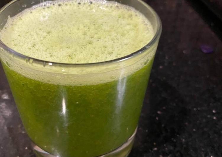 Green leafy smoothie