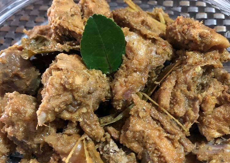 Ayam kampung masak kering pedes (masakan Toraja -Sulsel)