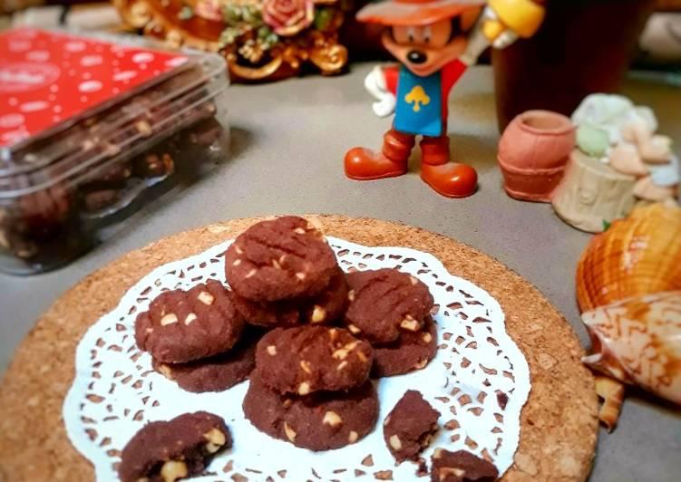 Choco nut cookies (kukis coklat kacang)