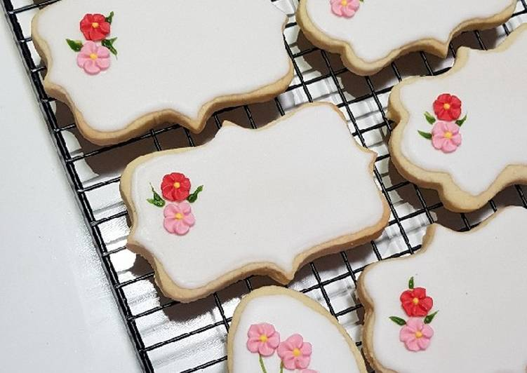 Recipe of Homemade Basic Royal Icing (No extra Flavour)