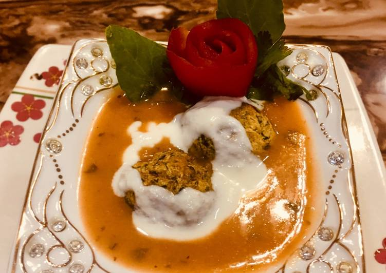 Recipe of Perfect Paneer stutted kofta curry