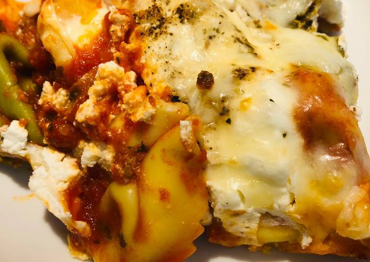 Recipe of Delicious Baked Tortellini with Ricotta and Mozzarella cheese 🧀