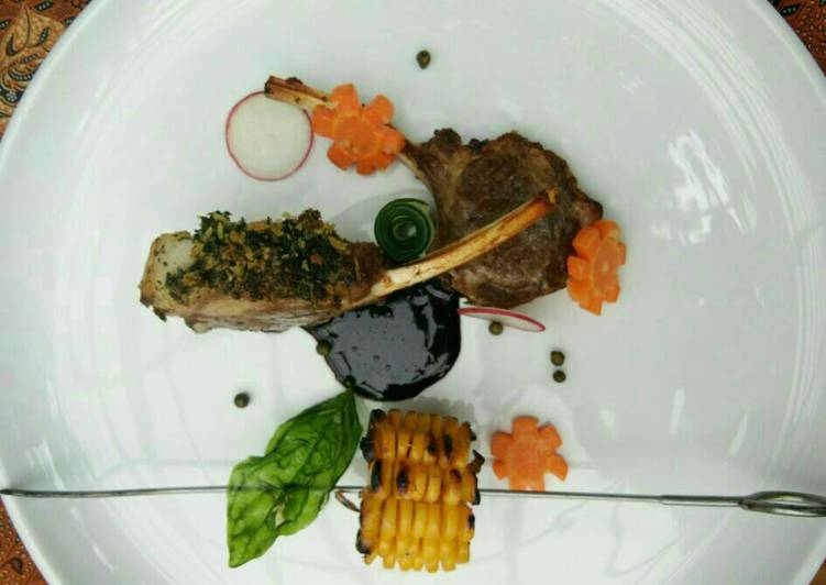 Lamb rack with herb crust