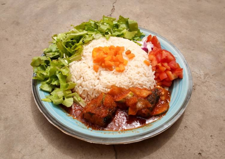 Recipe: Delicious White rice and salad