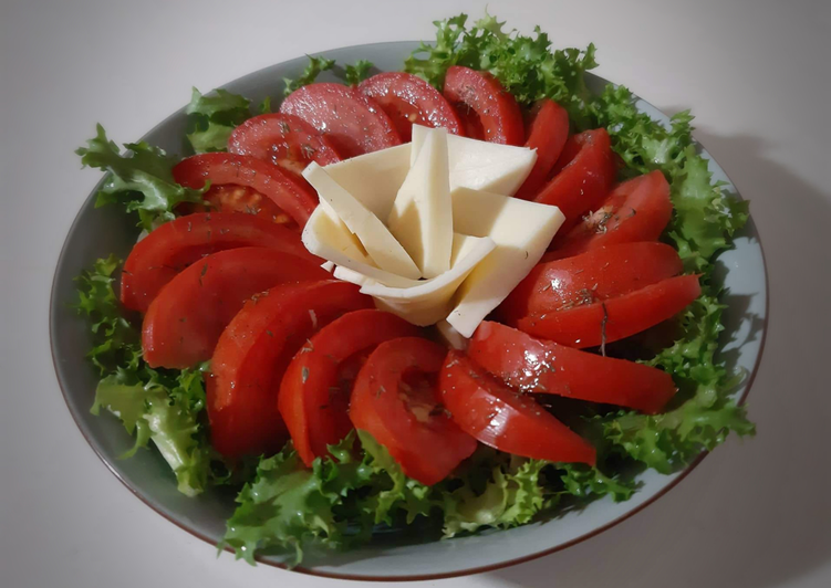 How to Prepare Favorite Salade laitue/tomate/fromage