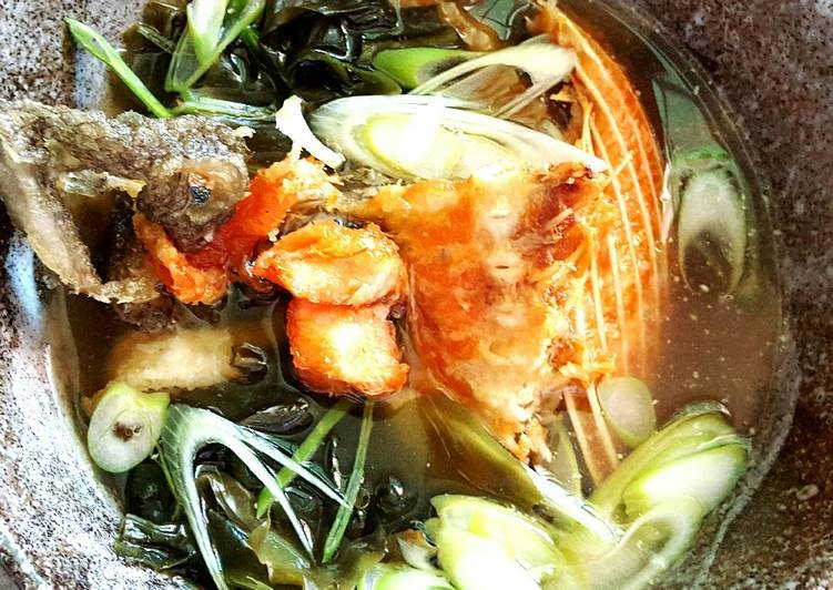 Purry's Crispy Salmon Seaweed Soup, Choosing Fast Food That's Very good For You