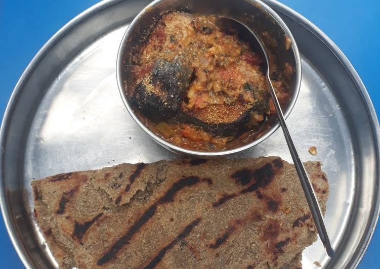 Easy Comfort Dinner Ideas Spring Fish in gravy with bajra roti