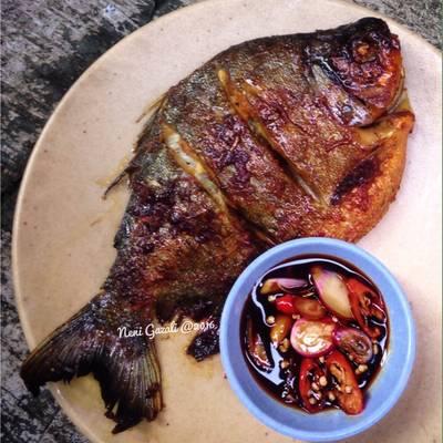 Resep Ikan Bawal Bakar Oleh Neni Gazali Cookpad