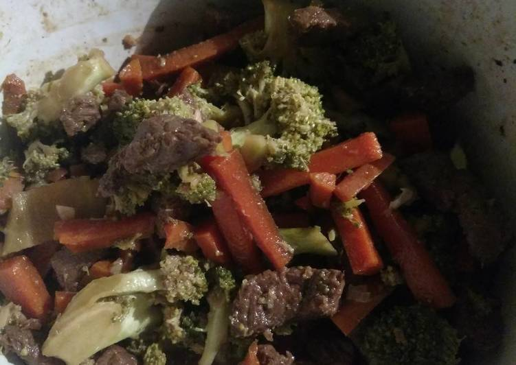Steps to Make Super Quick Homemade Crock-Pot Beef & Broccoli