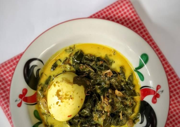 13. Gulai Daun Singkong & Telur