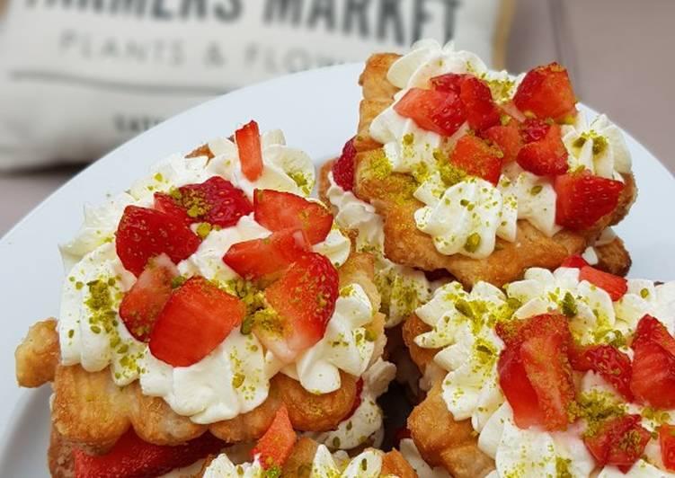 Angeberkuchen mit Erdbeeren