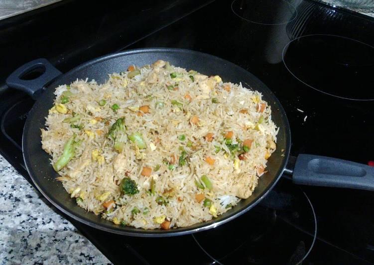 Hibachi rice and chicken