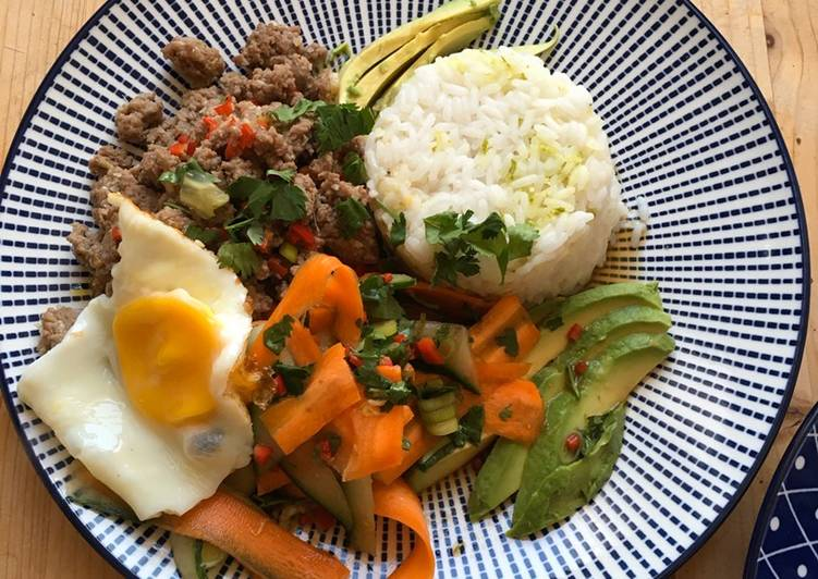 Vietnamesisch inspirierter bunter Teller - oder Bowl