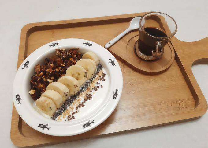 Yaourt bowl granola banane sésame lin et pavot 😋