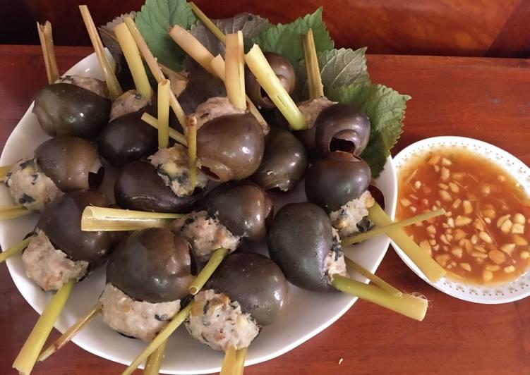 Ốc bươu nhồi thịt chấm mắm gừng- món ăn ngon từ ốc