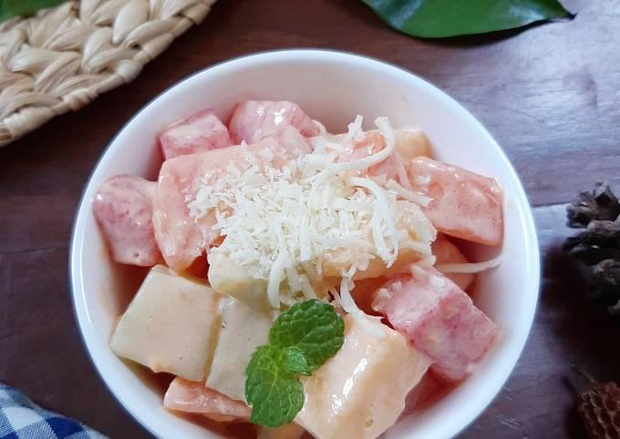 Salad buah pedas