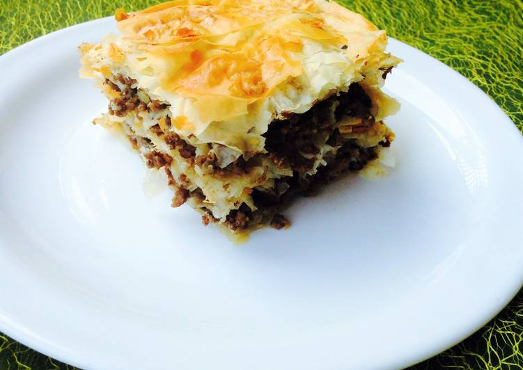 Phyllo Meat Pie