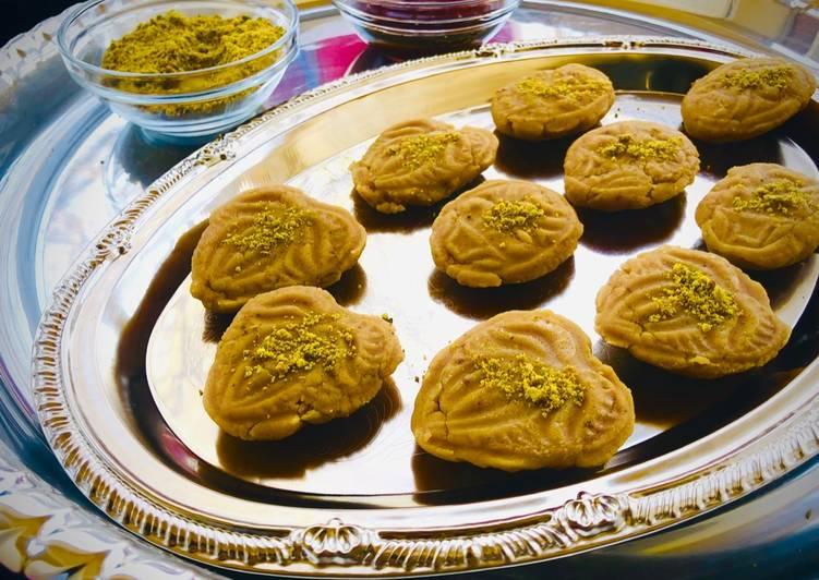 Recipe of Most Popular Nolen gur or sondesh or palm jaggery sondesh